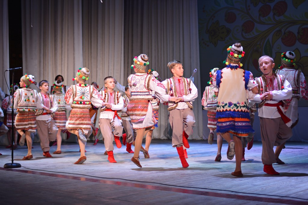 Народний аматорський ансамбль танцю «Дружба» daec4f9d80919